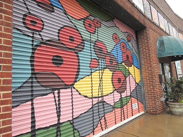 Outside the current Charlotte Art League building on Camden Road. (Photo by Ryan Pitkin)