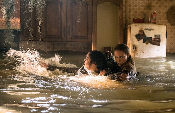 Tessa Thompson and Natalie Portman in Annihilation (Photo: Paramount)