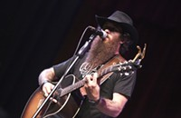 Cody Jinks and friends rouse the sold-out Neighborhood Theater crowd