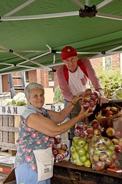 Uploaded by LC Apple Festival