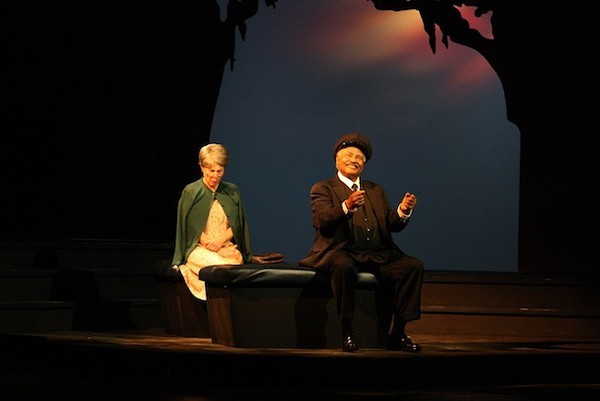 Vicki Rose and John Price in Theatre Charlottes Driving Miss Daisy.