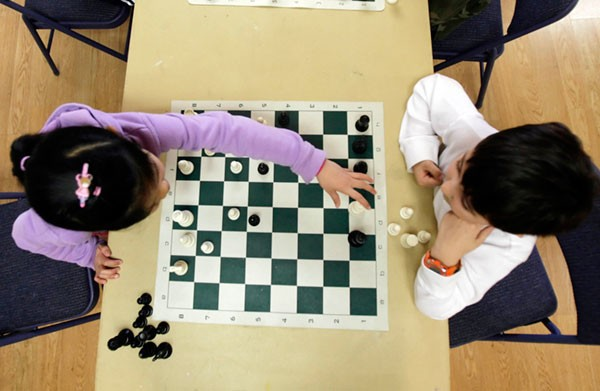 Advocates argue that chess helps youth learn to think, but Mayor Rahm Emanuel says the schools lack funding for a citywide program.