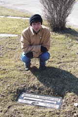 Arlo Leach at Muddy Waters's grave in Restvale - SALLY GILES