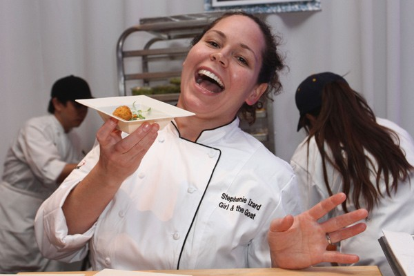 stephanieizard-600.jpg