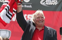 Bobby Hull to Mayor Emanuel: I'm still alive