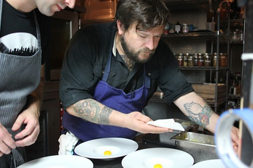 Chef Erik Anderson at an El Ideas collaborative dinner in 2013