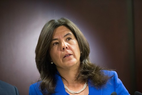 Cook County states attorney Anita Alvarez says her office will start dropping charges against people caught with less than an ounce of pot.