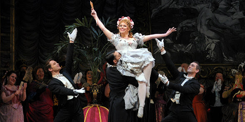Daniela Fally in Fledermaus: the maids moment