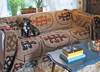 Decorating a Wicker Park living room with the click of a button