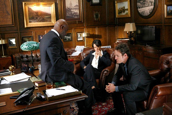 Delroy Lindo, Jennifer Beals and Jason Clarke in The Chicago Code.