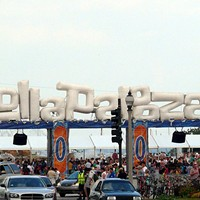 Did you read about Reddit, a UK take on Lollapalooza, and Alderman Joe Moore?