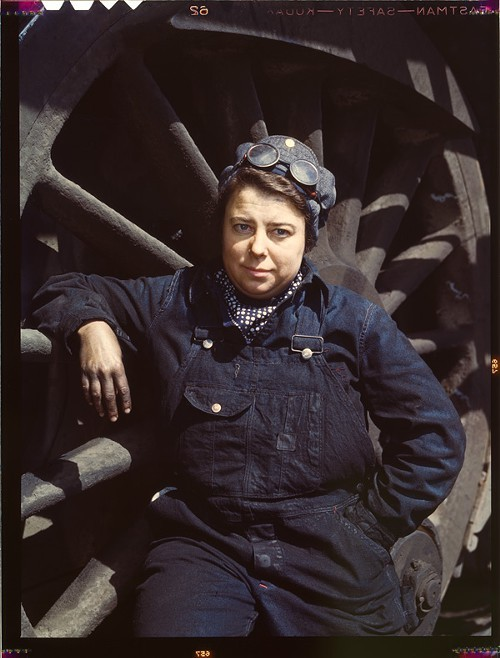 Dorothy Lucke, engine wiper, C&NW yard, Clinton, Iowa, April 1943
