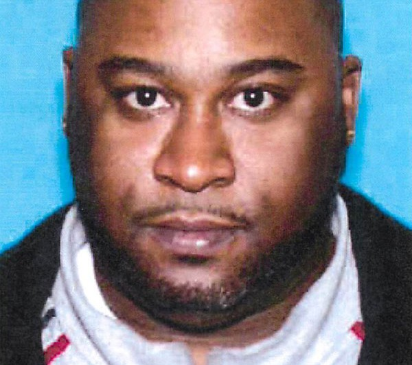 Dwayne Appling was sentenced to more than 27 years in federal prison for overseeing an operation that moved heroin from Chicago to Iowa.