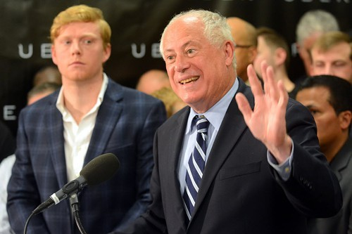 Governor Quinn, pictured with Uber regional GM Andrew MacDonald, vetoed Illinois rideshare bill in August.