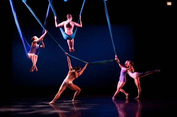 In Aerial Dance Chicago S Unearthed It S Too Easy Being