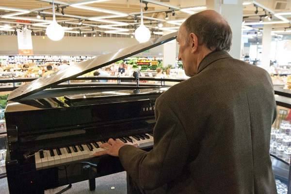 James Callen tickles the ivories at the Mariano's at 1800 W. Lawrence