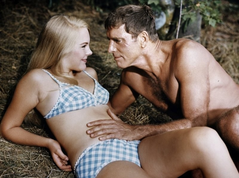 Janet Landgard and Burt Lancaster in The Swimmer.
