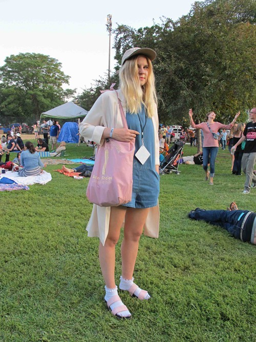 Jessica. Came to see: Beck. Why this outfit? Because I look really good in pastels.