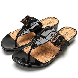 Kenneth Cole Reaction Day in the Park sandals, $58 at Loris