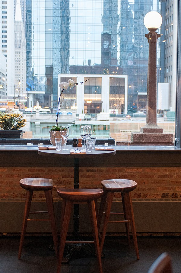 Kitchen Chicago offers views of the Chicago River.