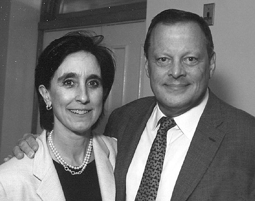 Lyric Operas Kenneth G. Pigott pictured with his wife Jane in 2004