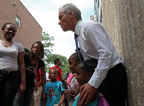 Mayor Rahm meets students at Willa Cather Elementaryon the first official day of school.