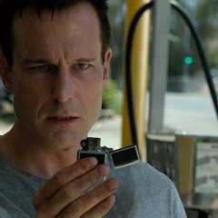 Michael Eklund at the fateful gas station in The Call