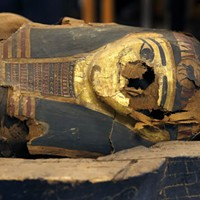 Did you read about Uber, <i>Rolling Stone</i>, and a 2,500-year-old mummy coffin?