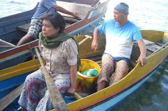 Nora Aunor and Bembol Roco play a long-married couple in Thy Womb.