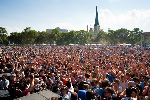 pitchfork-union-park-crowd-francis-chung.jpg