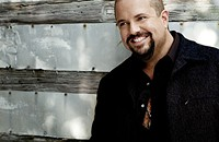 Raul Malo: a voice out of time
