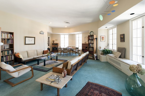 Ordinaire Reverend Philip Blackwellu0027s Living Room Furniture Is Mostly Passed Down  From His Wife Sallyu0027s Parents,