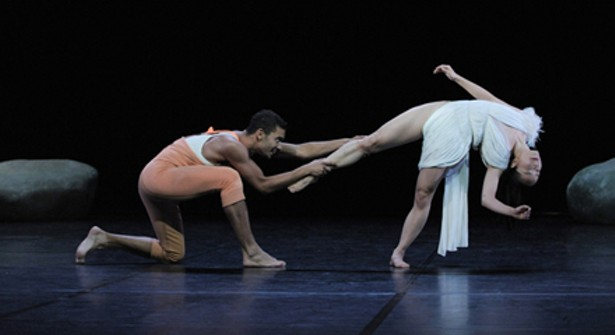 snow white angelin preljocaj review Snow white is as grimm as it gets the original story contains some fairly macabre and shocking moments and, in the hands of choreographer angelin preljocaj, it also.