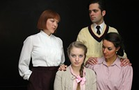 <i>The Children's Hour</i>: Lies, secrets, and silence, revived for the Facebook age
