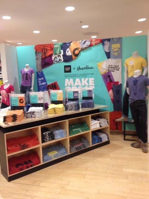 The not-too-big, not-too-small Gap+Threadless display at the North Avenue Gap