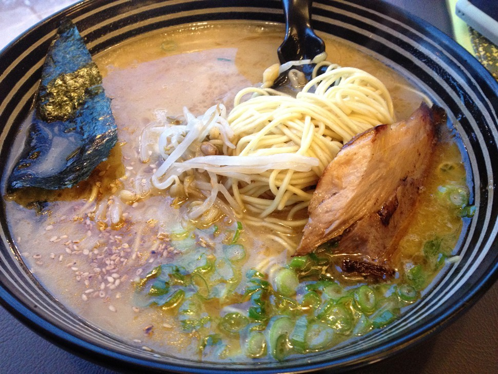 tonkotsu ramen, Strings Ramen Shop