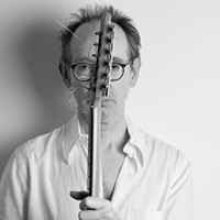 Vanguardist Arto Lindsay seamlessly blends Brazilian pop, noise, and sonic dichotomy on his first album in 13 years