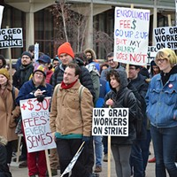 UIC grad students strike for better pay