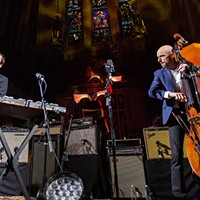 Andrew Bird resumes his cozy Gezelligheid church shows with bittersweet holiday cheer