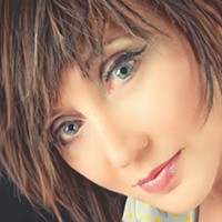 Country mainstay Pam Tillis hits her stride on <i>Looking for a Feeling</i>