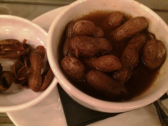 Boiled peanuts - JULIA THIEL