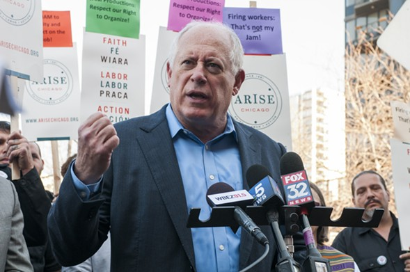"""Former governor Pat Quinn spoke to support the stagehands' union drive: """"The right to organize is fundamental in a democracy."""" - ANDREA BAUER"""