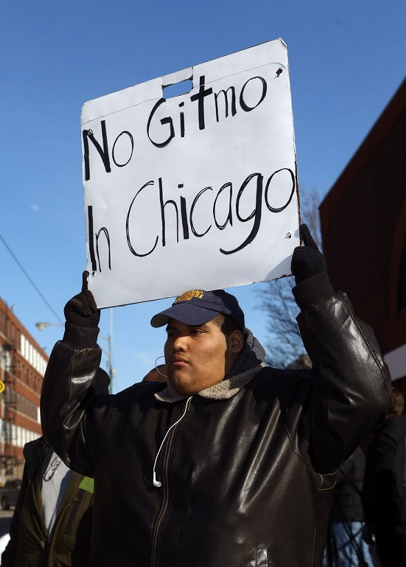Protesters at Homan Square in February 2015 - KEVIN TANAKA/SUN-TIMES
