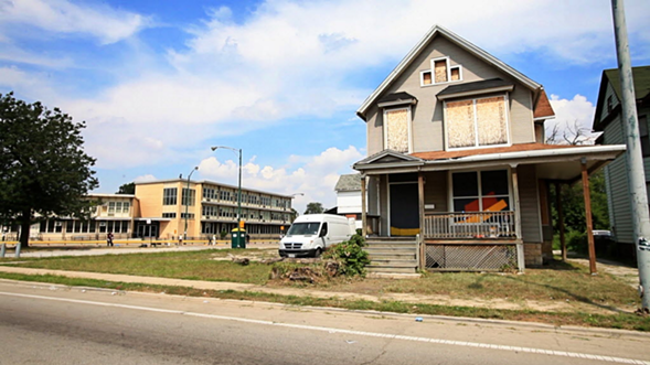 An abandoned and boarded-up house in Chicago's Englewood neighborhood - JESSICA KOSCIELNIAK/CHICAGO SUN-TIMES