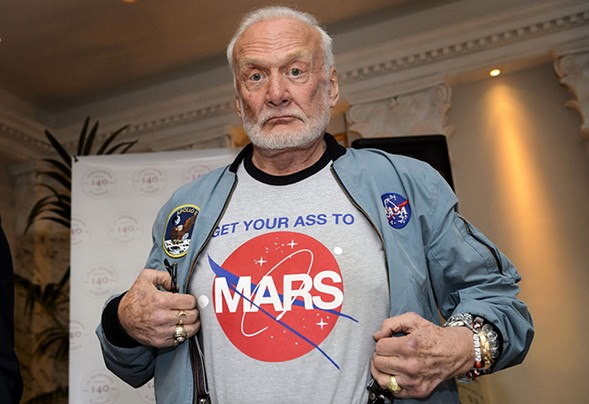 Buzz Aldrin - ABRICE COFFRINI/GETTY