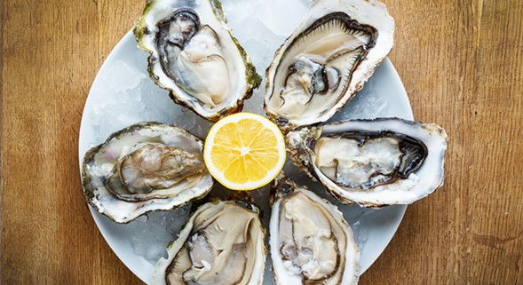 It's oysters galore in Roscoe Village on Sat 9/10. - GETTY IMAGES/ISTOCKPHOTO