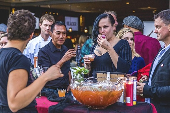 """This year's Chicago Reader Cocktail Challenge theme is """"nostalgia."""" Drink up on Thu 9/15! - KATIE HOVLAND"""