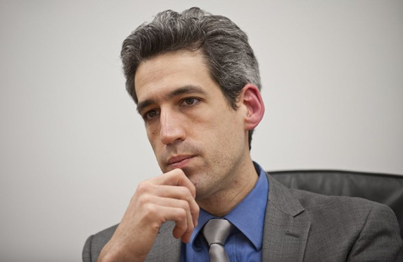Illinois state senator Daniel Biss speaking to the Sun-Times editorial board in 2014 - RICH HEIN/SUN-TIMES