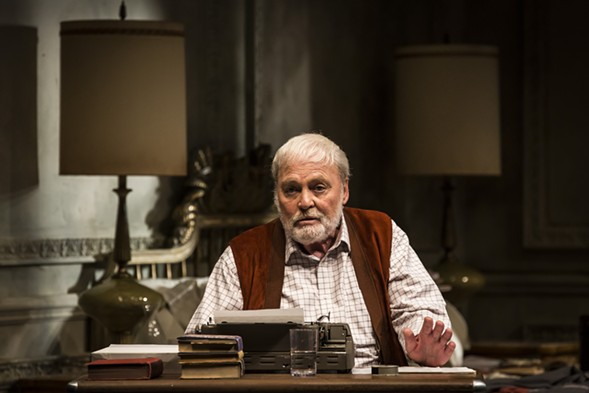 Stacy Keach as Hemingway in Pamplona - LIZ LAUREN