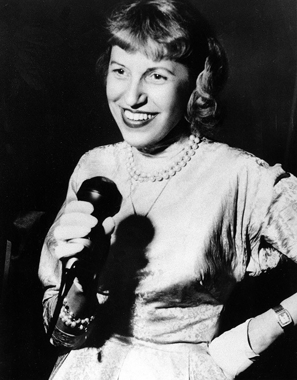 Lotte Lenya in Berlin in 1958 - AP